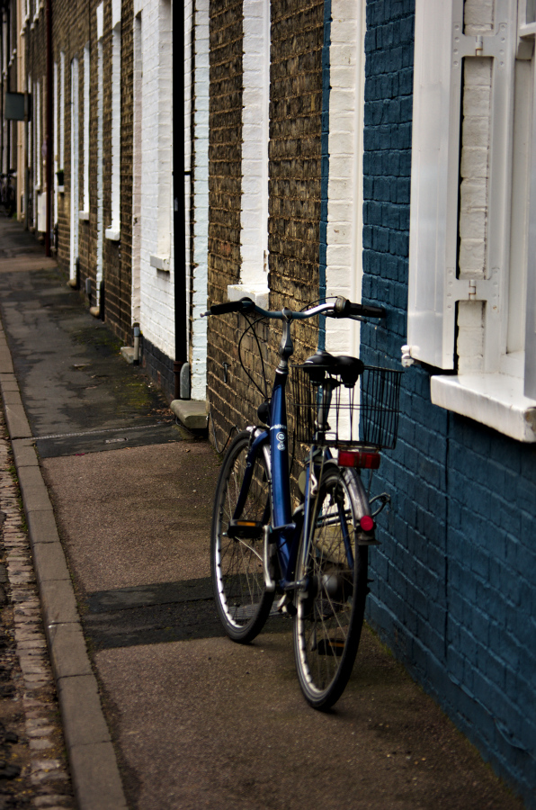 blue bike wall brick Cambridge street